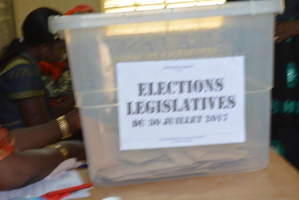 Polémique autour du couplage des élections législatives : le PS entre dans la danse