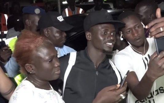 Arrêt sur image: : Sadio Mané déchaine les foules de l'AIBD