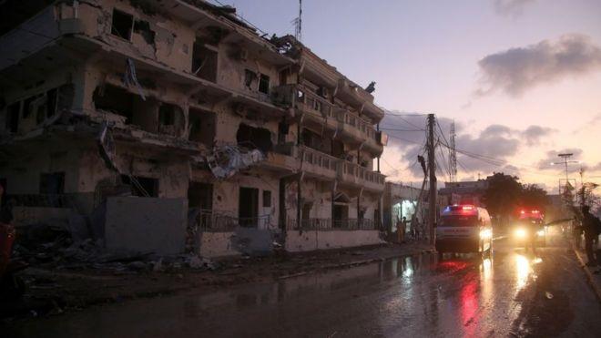 Une puissante explosion à Mogadiscio fait au moins 8 morts