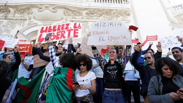 Les Tunisiens timides sur le soulèvement algérien