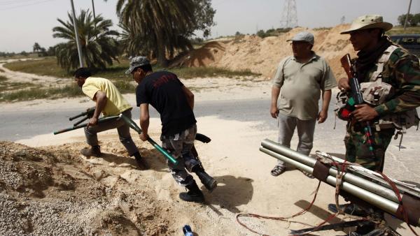 Libye: violents affrontements entre forces pro-gouvernement d'union nationale et pro-Haftar au sud de Tripoli