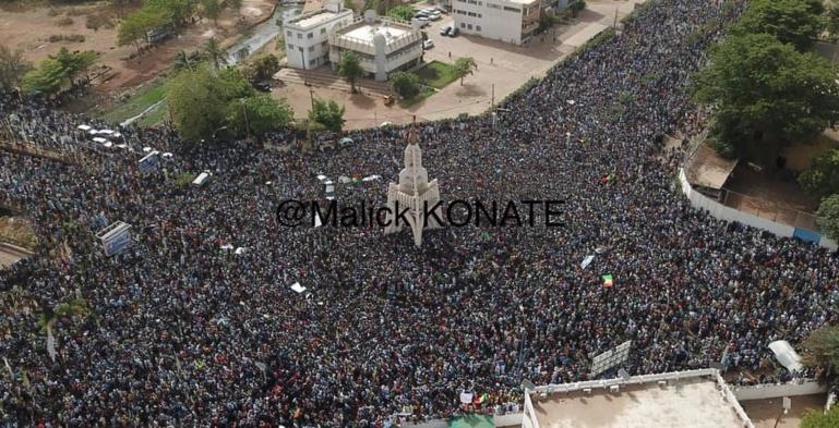 Mali: plus de 10 000 personnes dans les rues de la capitale pour protester contre le pouvoir