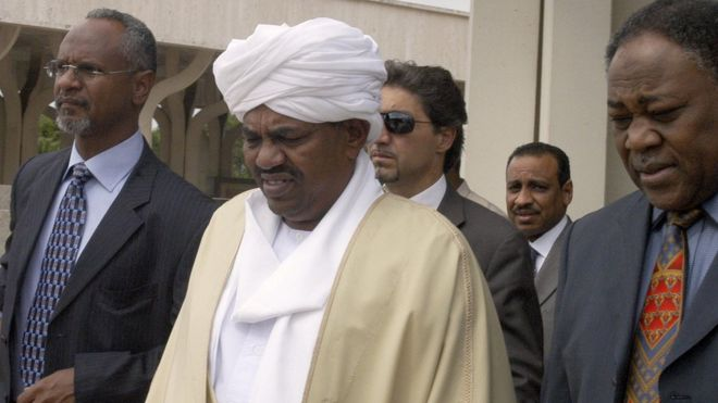 Au Soudan, les militaires disent avoir pris le pouvoir