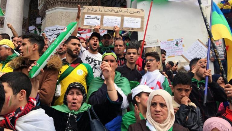 Algérie: les débats citoyens sur l'avenir du pays se multiplient