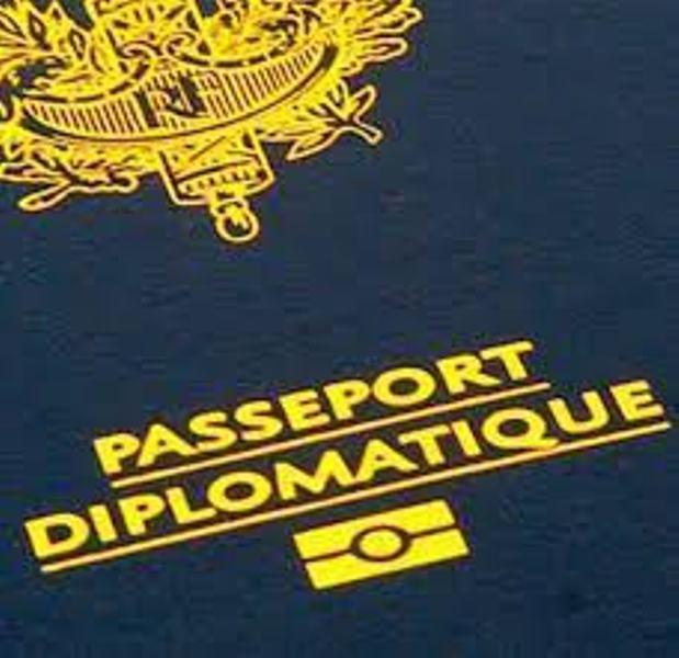 Macky Sall instruit Amadou Ba de mettre en place de nouveaux passeports diplomatiques