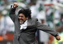 Dubai: Premier succès pour Maradona