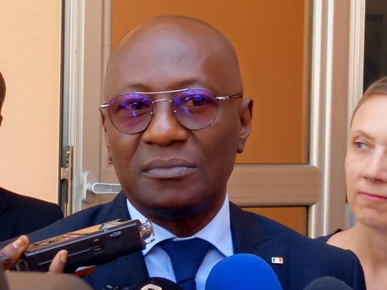 Le ministre de la Communication annonce que l'application du Code de la presse sera son premier dossier