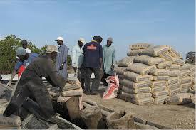 """Hausse du prix du ciment : Les locataires trouvent la décision de Macky Sall """"contradictoire"""""""