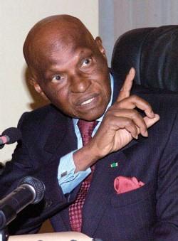 Me Wade veut régler tous les contentieux de l'Etat du Sénégal