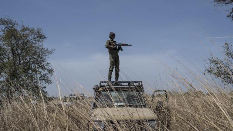 Burkina Faso: quatre otages libérés, deux militaires français tués
