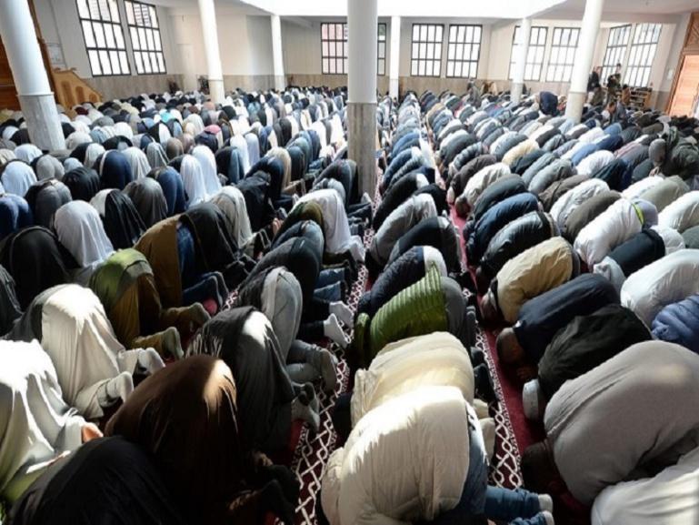 """Ramadan-Nafila 12ème nuit : 10 rakkas, pour """"mille étages construits en bijoux divers"""""""