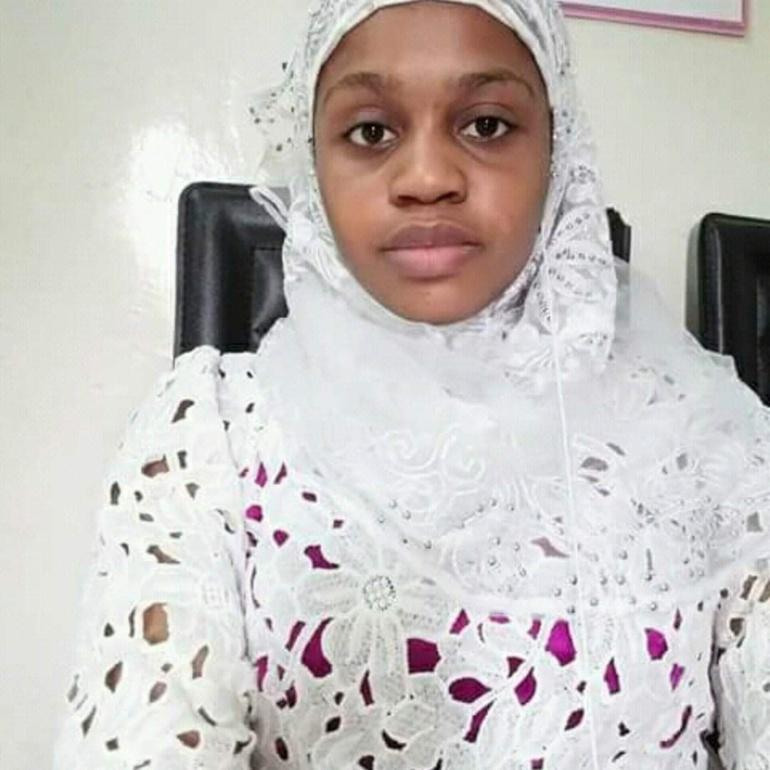 Meurtre de la fille à Tamba: le vigile arrêté, le père inconsolable