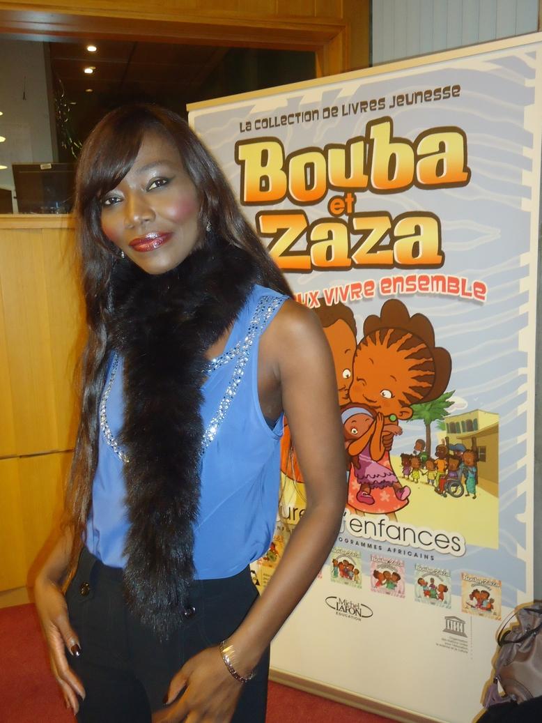 Coumba Gawlo chante pour une série télévisée pour enfants