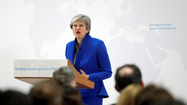 Brexit: May propose aux députés de voter sur la tenue d'un second référendum