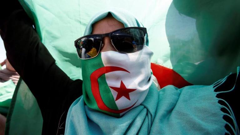 Algérie: les manifestants ciblent le nouvel homme fort, Ahmed Gaïd Salah