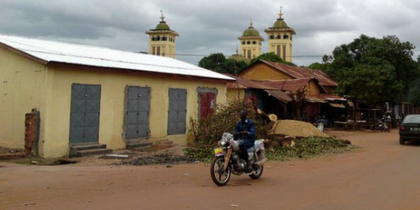 L'imam d'une mosquée suspendu pour avoir dirigé une prière en langue Malinké