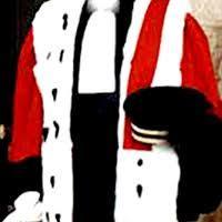 Augmentation des salaires des hauts magistrats : Le décret qui gêne l'entourage de Wade