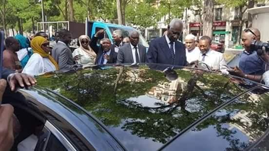 Paris - Levée du corps de Ousmane Tanor Dieng en images