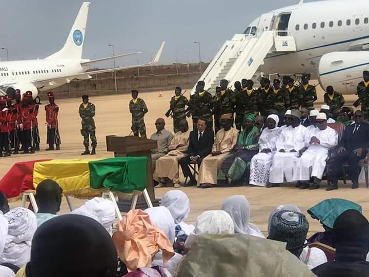 Tanor Dieng, inhumé par la Nation entière, le président malien IBK, craque et fond en larmes