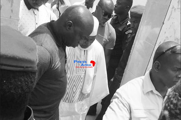 Abdoulaye Wade en visite privée chez le Khalife général des Mourides