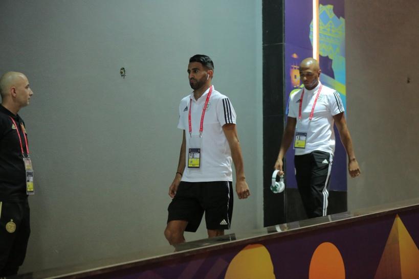 Direct-stade du Caire : Les  joueurs viennent de franchir la porte du stade