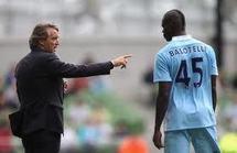 Man City: Mancini veut que Balotelli arrête de fumer