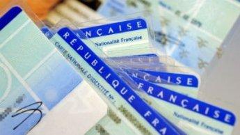 Paris durcit les conditions d'obtention de la nationalité française
