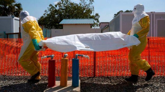 Ebola : trois médecins soupçonnés de meurtre arrêtés en RDC