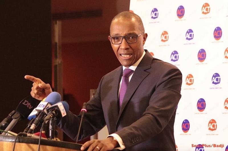 Abdoul Mbaye: « dans une vraie démocratie, un dialogue national doit avoir lieu à l'Assemblée nationale »