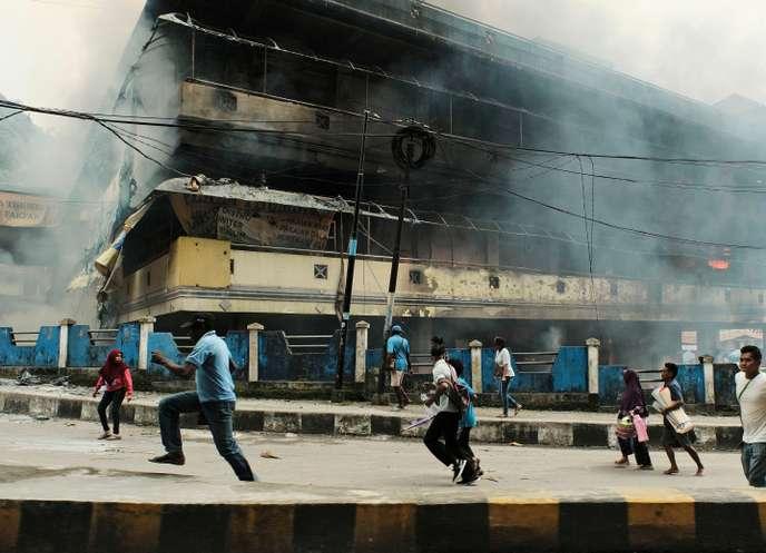 Des manifestations dégénèrent en émeutes dans la province indonésienne de Papouasie occidentale