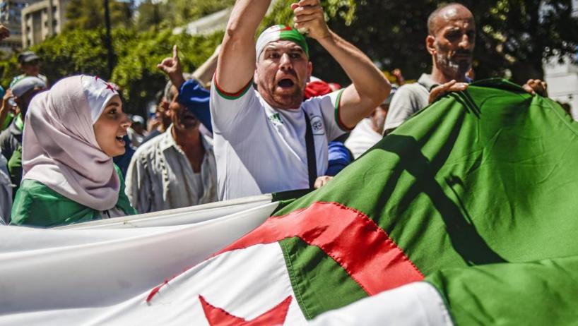 Algérie: après 6 mois de contestation, l'Algérie à la croisée des chemins
