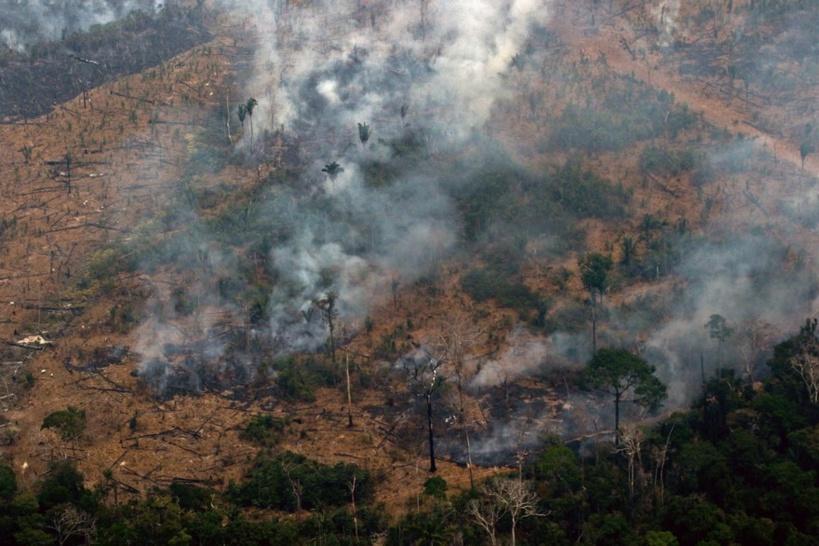 Incendie en Amazonie: le président brésilien Jair Bolsonaro rejette l'aide financière du G7