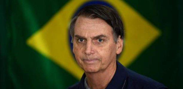 """Bolsonaro exige que Macron """"Retire ses insultes """" avant de discuter de l'Aide du G7"""