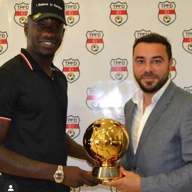 Turquie : Mbaye Diagne reçoit son trophée de meilleur buteur du championnat !