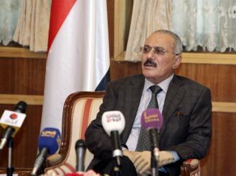 Ali Abdallah Saleh demande pardon et quitte le Yémen