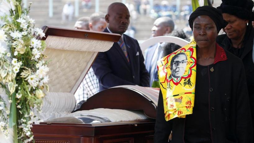 Zimbabwe: l'ex-président Mugabe sera finalement enterré à Harare