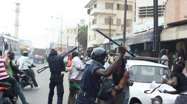 Dernière minute : Vives échauffourées entre étudiants et policiers