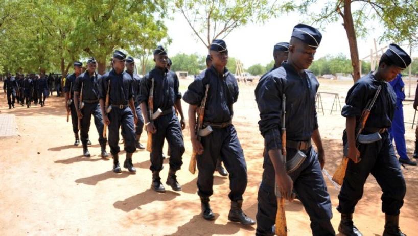 Burkina: les policiers se plaignent du détournement d'armes par les militaires