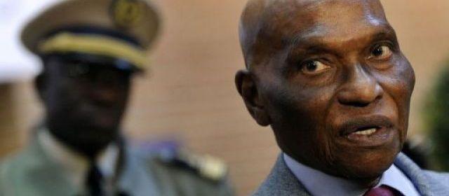 La police sénégalaise a dispersé mardi soir à Dakar un rassemblement de milliers d'opposants venus contester la candidature du chef de l'Etat Abdoulaye Wade à la présidentielle de février, après des violences qui avaient fait trois morts en trois jours | Fabrice Coffrini