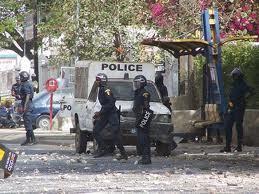 Les étudiants de l'Ucad chargent de nouveau les policiers