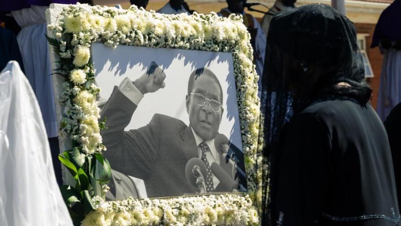 Zimbabwe: l'ex-président Robert Mugabe enterré dans son village natal