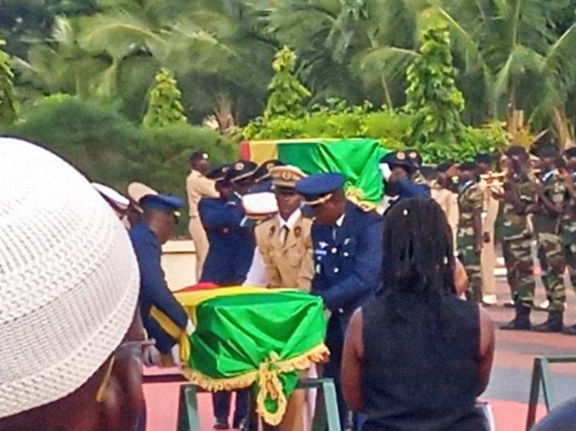 Vive émotion à la levée de corps des 3 soldats morts en Centrafrique