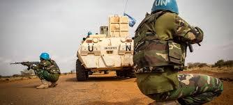 Mali: un Casque bleu tué et 5 autres blessés dans deux attaques