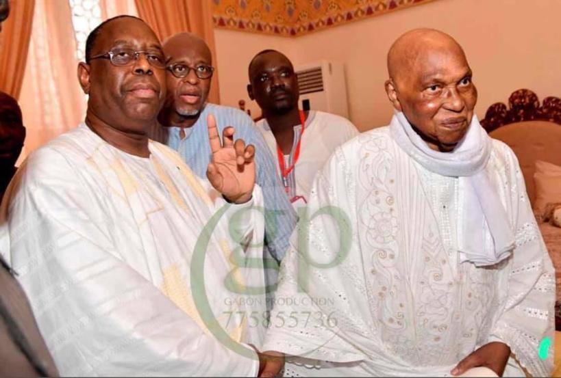 """Jeune Afrique révèle le """"pacte"""" conclu entre Wade et Macky lors d'une """"rencontre secrète"""" le jour de la Tabaski"""