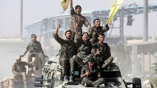 La Turquie attaque les Kurdes en Syrie