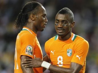 Les Ivoiriens Didier Drogba et Salomon Kalou. REUTERS/Thomas Mukoya