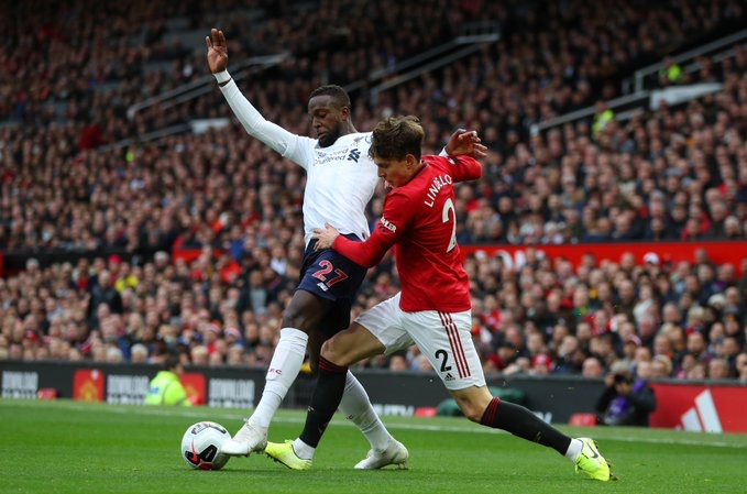 Manchester United accroche Liverpool dans le derby d'Angleterre (1-1)