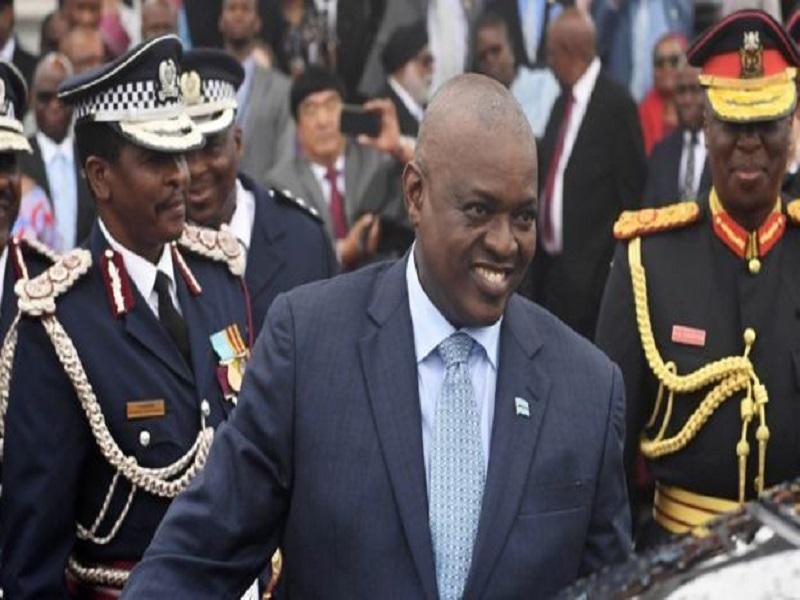 Mokgweetsi Masisi remporte la présidentielle au Botswana