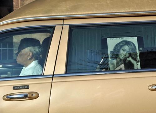 Le corps de Whitney Houston est arrivé à Newark pour ses obsèques
