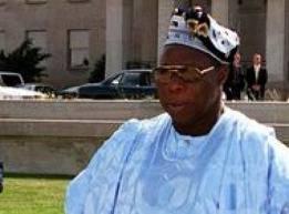 Obasanjo ôte le manteau d'observateur pour celui du médiateur.